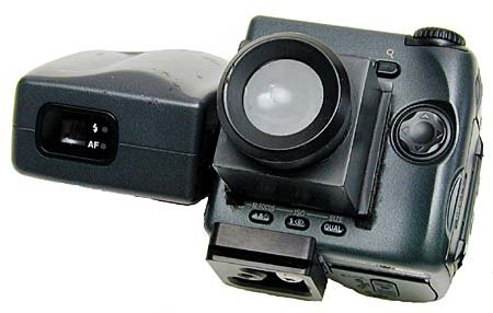 the Xtend-a-View viewfinder on the CoolPix 990